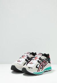 ASICS SportStyle - GEL-KAYANO 5 360 - Tenisky - white/cream - 3