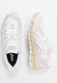 ASICS SportStyle - GEL-KAYANO 5 360 - Matalavartiset tennarit - white/cream - 1
