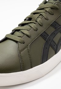 ASICS SportStyle - CLASSIC CT - Sneaker low - olive/black - 5
