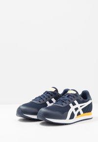 ASICS SportStyle - TIGER RUNNER - Sneaker low - midnight/white - 2