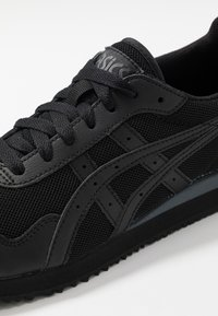ASICS SportStyle - TIGER RUNNER UNISEX - Trainers - black - 5
