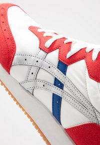 ASICS SportStyle - TARTHER - Trainers - white/classic red - 5
