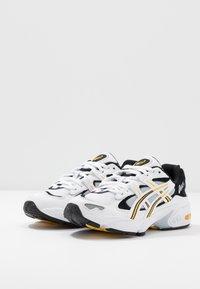 ASICS SportStyle - GEL-KAYANO 5 OG - Sneakersy niskie - white/saffron - 2