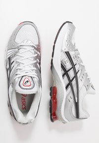 ASICS SportStyle - GEL-KINSEI - Trainers - white/black - 1