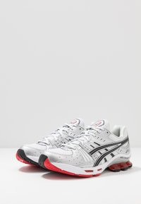 ASICS SportStyle - GEL-KINSEI - Trainers - white/black - 2