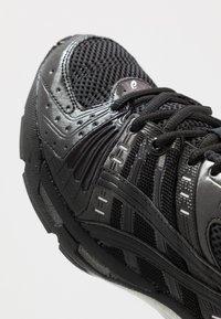 ASICS SportStyle - GEL-KINSEI - Trainers - black - 5