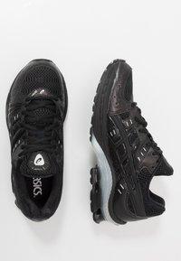 ASICS SportStyle - GEL-KINSEI - Trainers - black - 1
