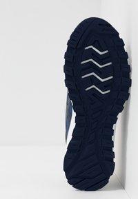ASICS SportStyle - GEL-CITREK - Trainers - black/blue expanse - 4