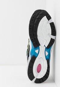 ASICS SportStyle - GEL-KAYANO 5  - Sneakers basse - piedmont grey/black - 4