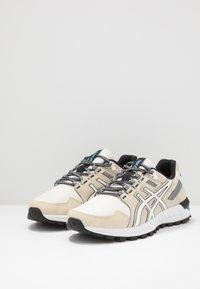 ASICS SportStyle - GEL-CITREK - Sneakers - birch/white - 2