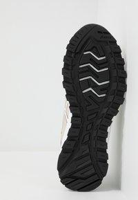 ASICS SportStyle - GEL-CITREK - Sneakers - birch/white - 4