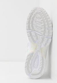 ASICS SportStyle - GEL-1090 - Sneakers laag - white - 4