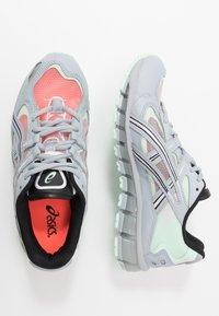 ASICS SportStyle - GEL-KAYANO 5 360 - Neutrální běžecké boty - piedmont grey/mint tint - 1