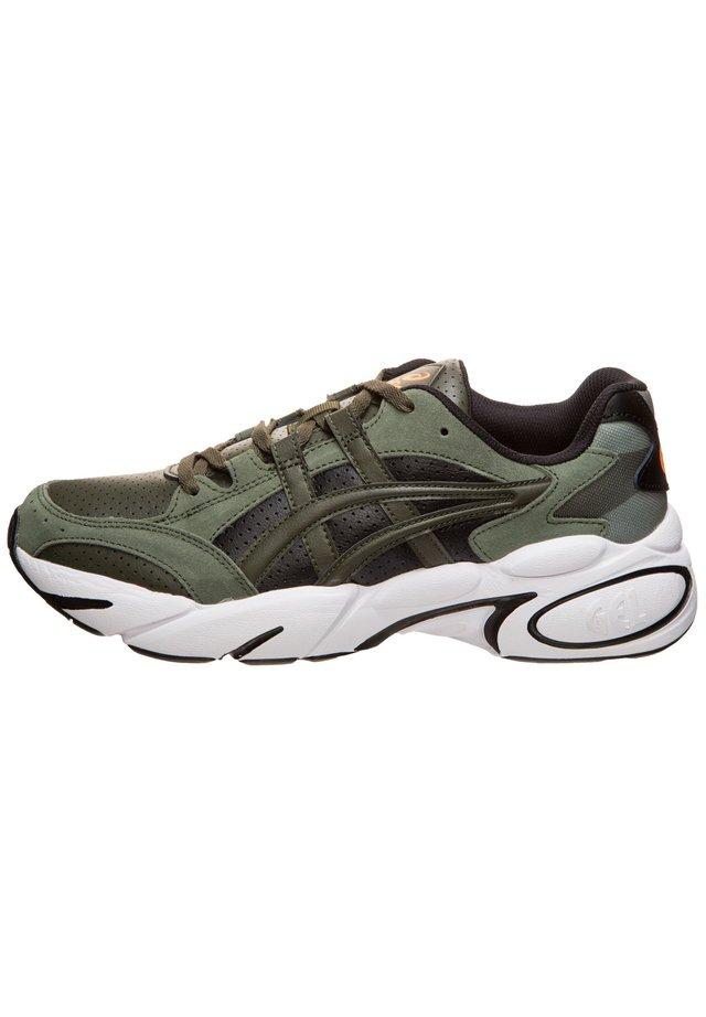 GEL-BND SNEAKER HERREN - Trail running shoes - olive canvas