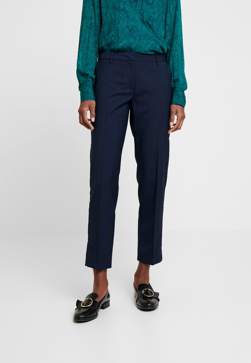 And Less - ALCRISTIE PANTS - Chino kalhoty - blue nights