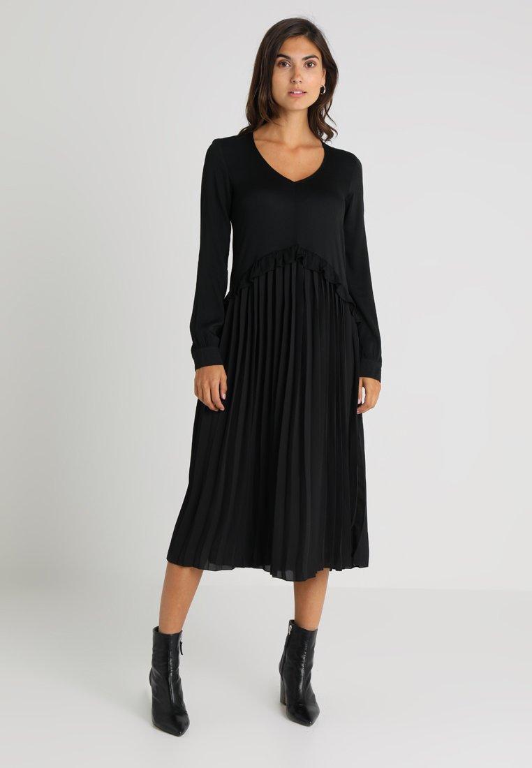 And Less - BAUDASARRA DRESS - Maxi dress - caviar