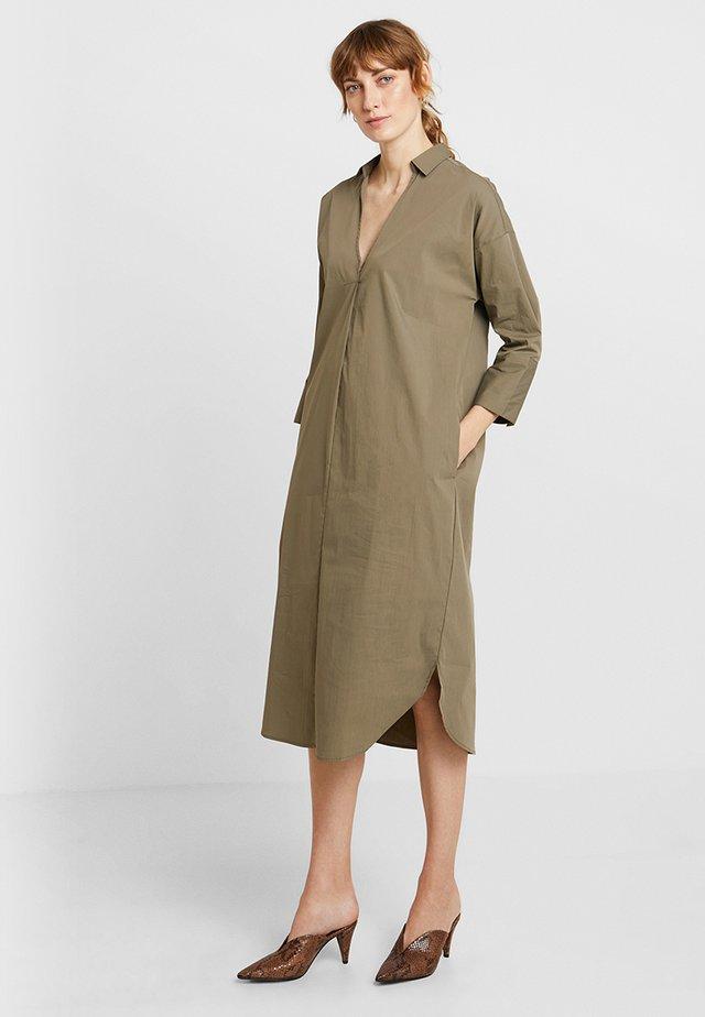 CAJA DRESS - Robe d'été - vetiver