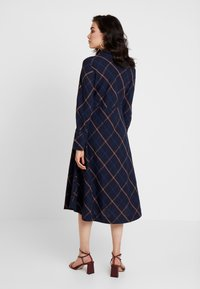 And Less - DEBRA DRESS - Hverdagskjoler - blue nights