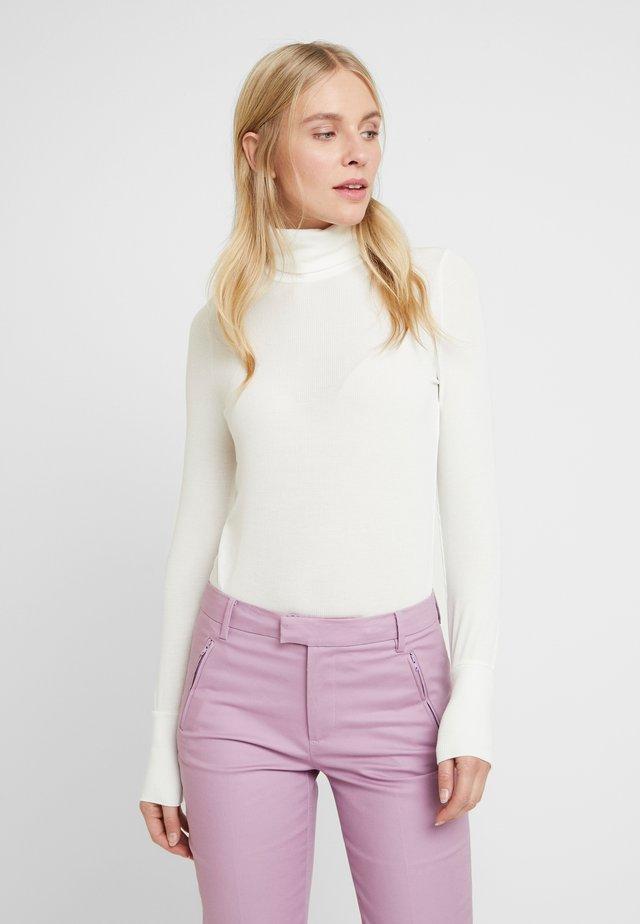 ALDANIELA ROLLNECK - Long sleeved top - white allysum