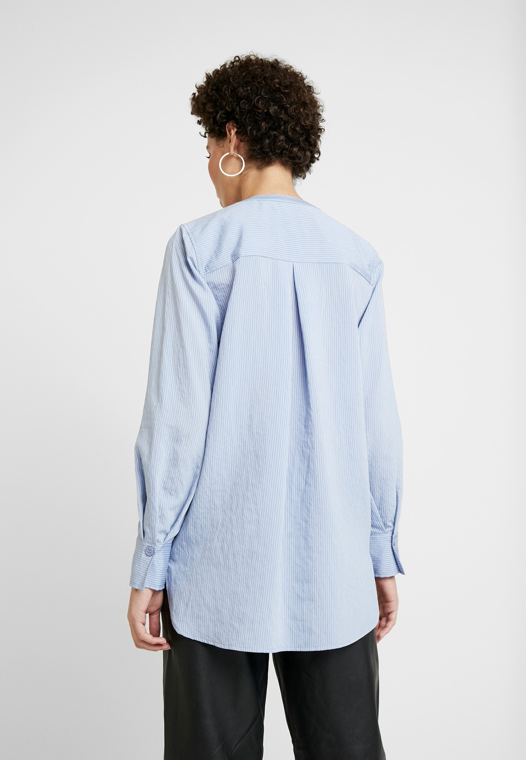 And Less Alace Blouse - Colony