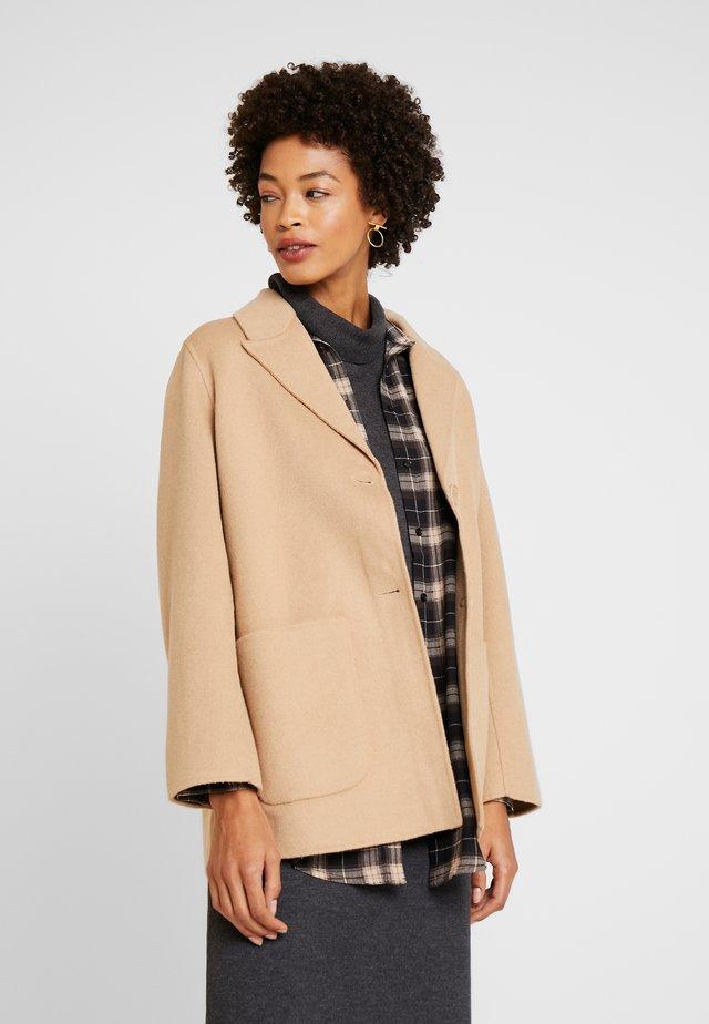 ALNEW NIFULA - Short coat - cornstalk