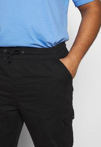 Another Influence - UTILITY PANTS IN PLUS - Cargo trousers - black - 3