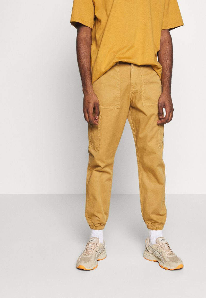 Another Influence - TROUSERS - Cargobyxor - sand