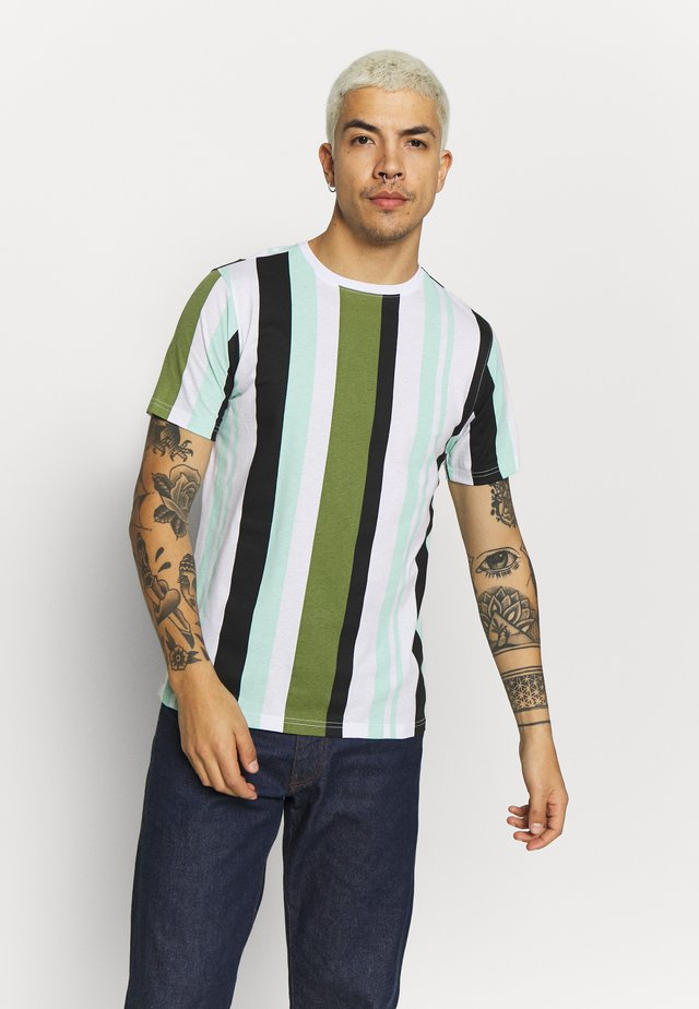 ANOTHER INFLUENCE STRIPE - T-shirt med print - white/khaki/mint