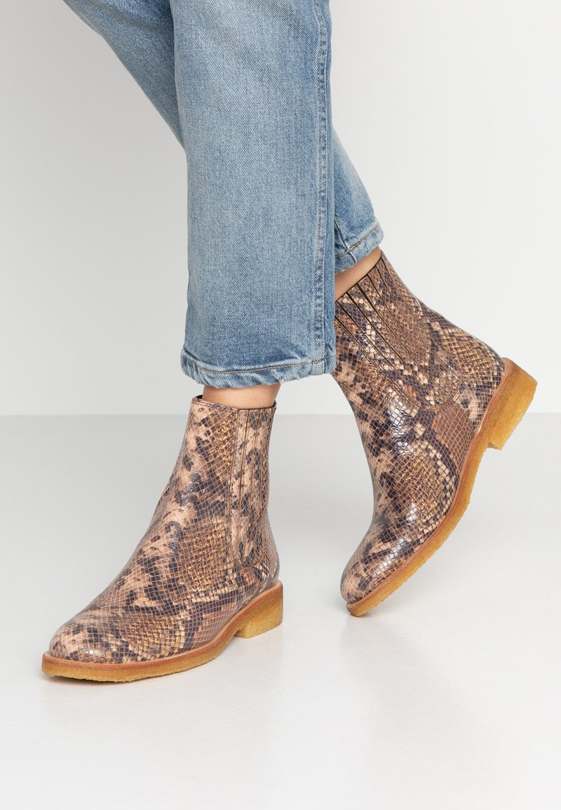 ANGULUS - Classic ankle boots - beige