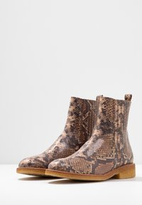 ANGULUS - Classic ankle boots - beige - 4