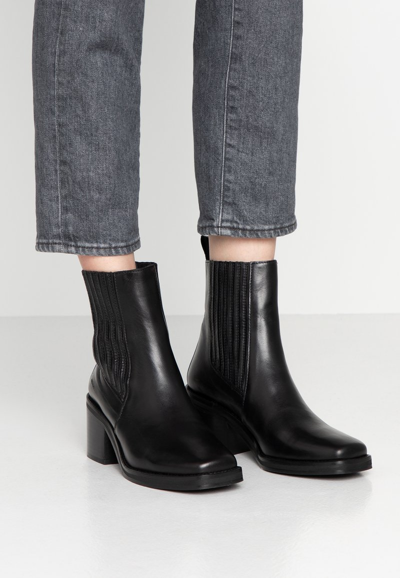 ANGULUS - Classic ankle boots - sierra