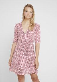 AllSaints - KOTA SCATTER DRESS - Vestito estivo - red - 0