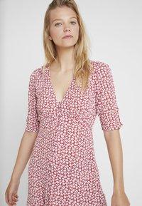 AllSaints - KOTA SCATTER DRESS - Vestito estivo - red - 3
