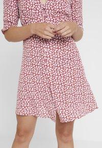 AllSaints - KOTA SCATTER DRESS - Vestito estivo - red - 4