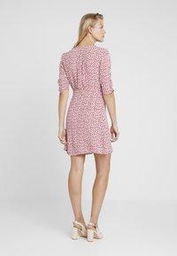 AllSaints - KOTA SCATTER DRESS - Vestito estivo - red - 2