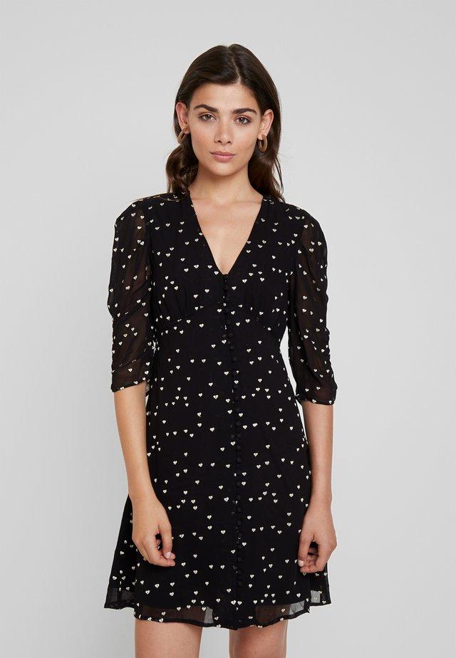 MALIE HEARTS DRESS - Skjortklänning - black