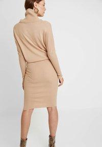 AllSaints - SOFI DRESS - Sukienka dzianinowa - toffee brown - 3