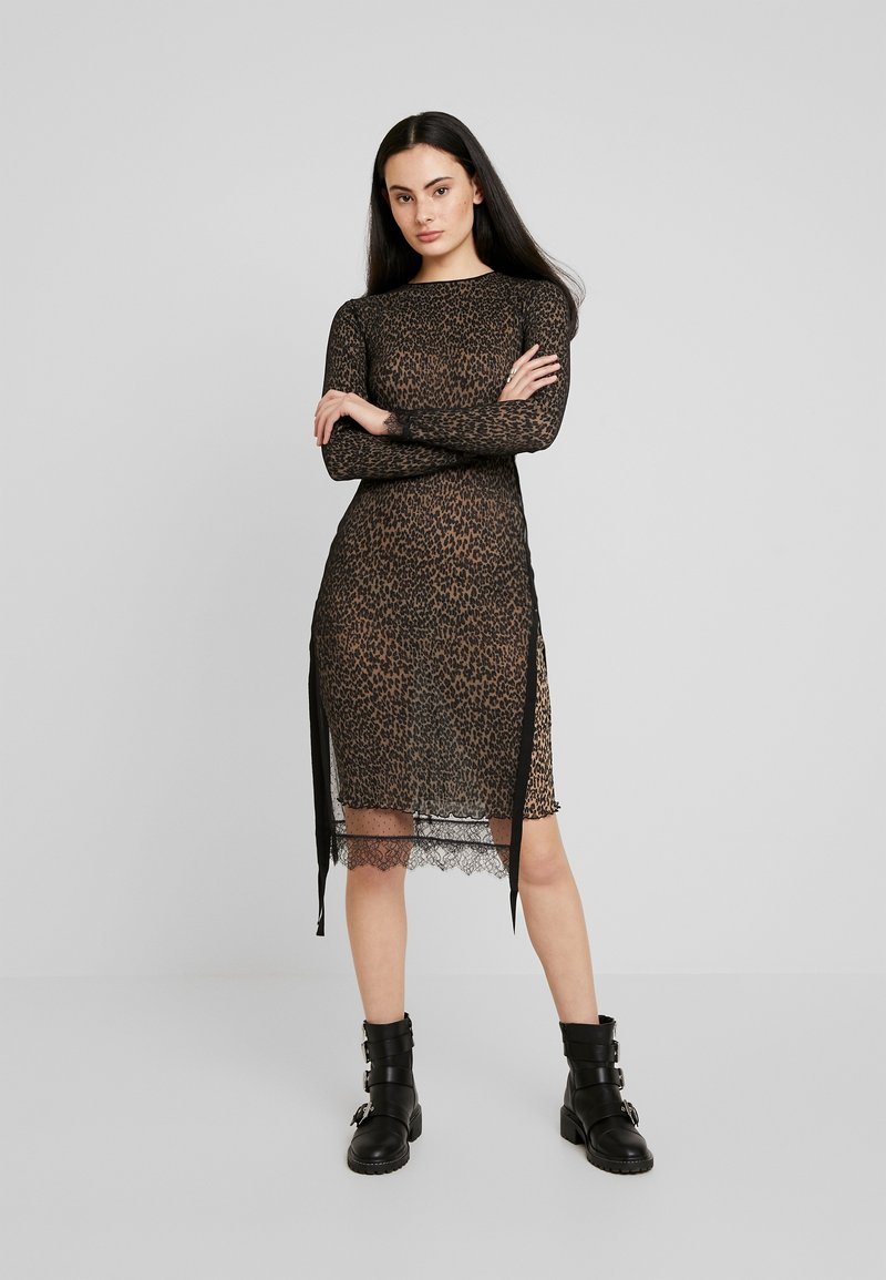 AllSaints - KIARA LINLEO DRESS - Kjole - taupe/brown