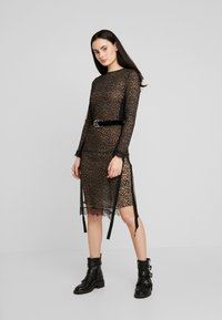 AllSaints - KIARA LINLEO DRESS - Kjole - taupe/brown - 2