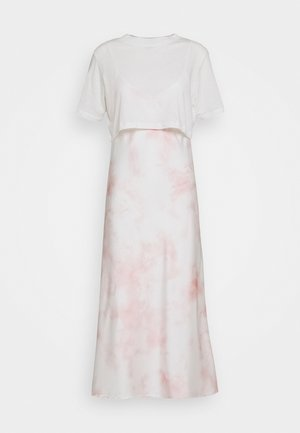 BENNO DYE TEE DRESS 2-IN-1 - Korte jurk - chalk white/pink