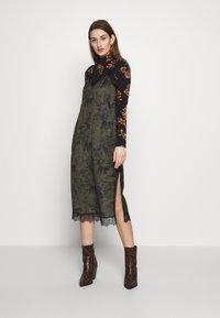 AllSaints - SKY STRENGTH DRESS - Kjole - khaki/green - 0