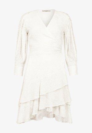 KEVA  - Freizeitkleid - white