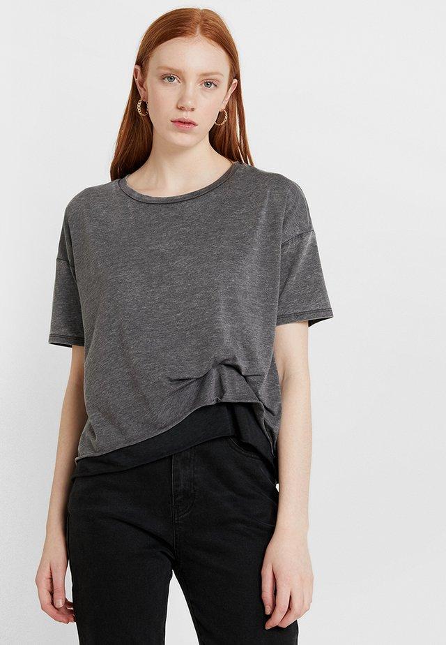 BEV TEE - T-shirts print - grey