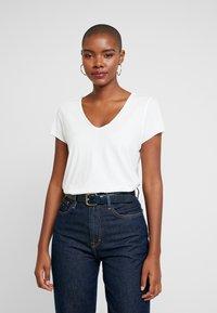 AllSaints - EMELYN TONIC TEE - T-shirts - chalk white - 0