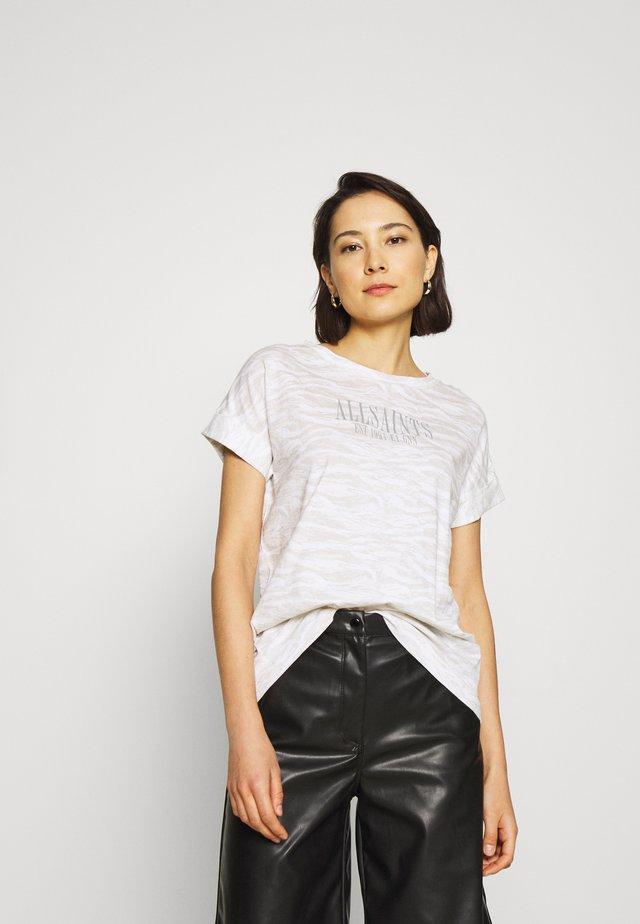 CAMODEEP IMOGEN BOY TEE - T-Shirt print - optic white