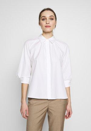 BERNITTA SHIRT - Skjorte - chalk white