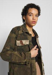 AllSaints - FINCH CAMO JACKET - Denim jacket - camo green - 3