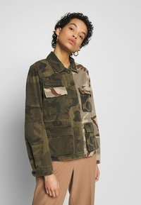 AllSaints - FINCH CAMO JACKET - Denim jacket - camo green - 0