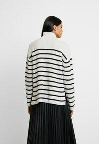 AllSaints - MELODY JUMPER - Jersey de punto - white/black - 2