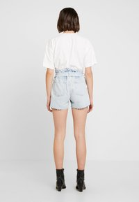 AllSaints - HANNAH PAPER BAG - Denim shorts - light-blue denim - 3